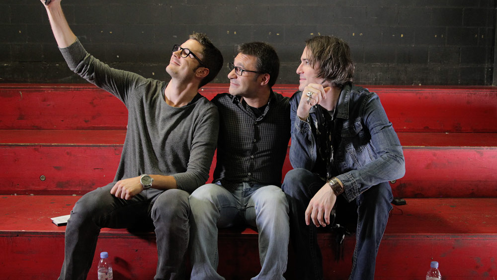 Ryan McGarvey with Simon Kurt and Sebastiano Mereu taking a selfie during the shooting of From-Hero-To-Zero.com